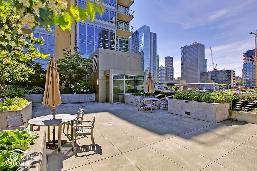 2200 Westlake Condos Denny Triangle Seattle roof deck 2