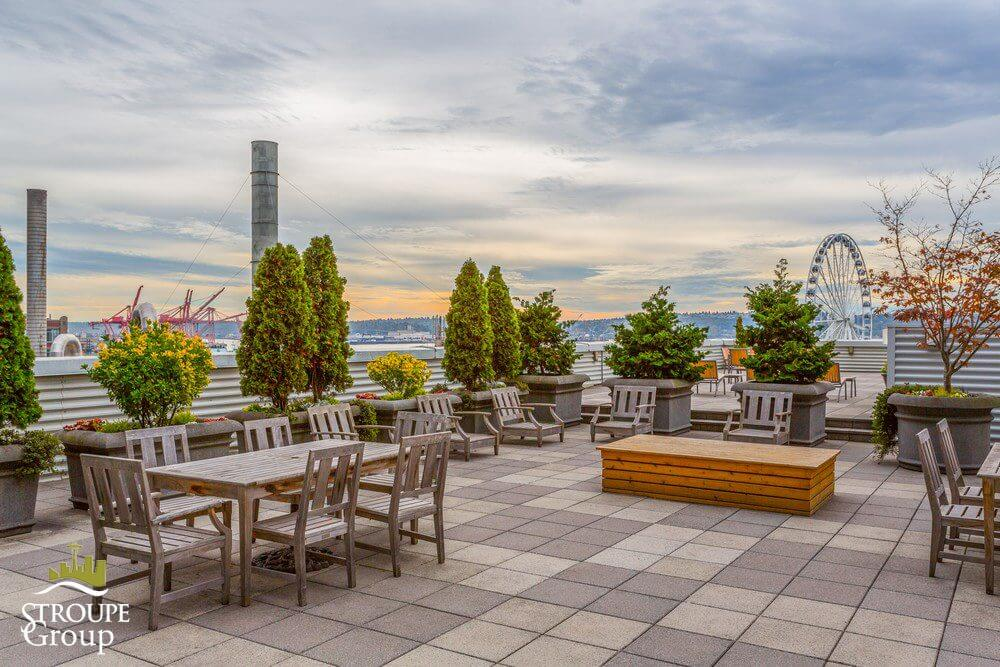 98union-condo-98-union-downtown-seattle-deck