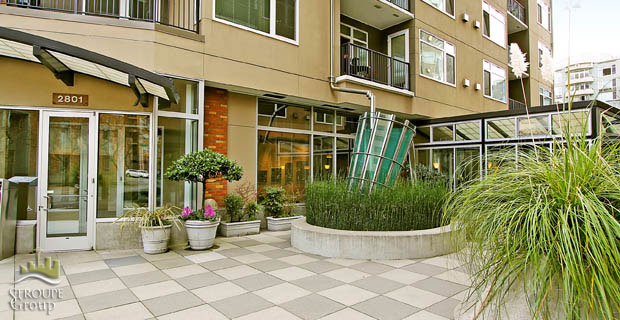 Ellington-condo-2801-1st-ave-belltown-seattle-exterior-1