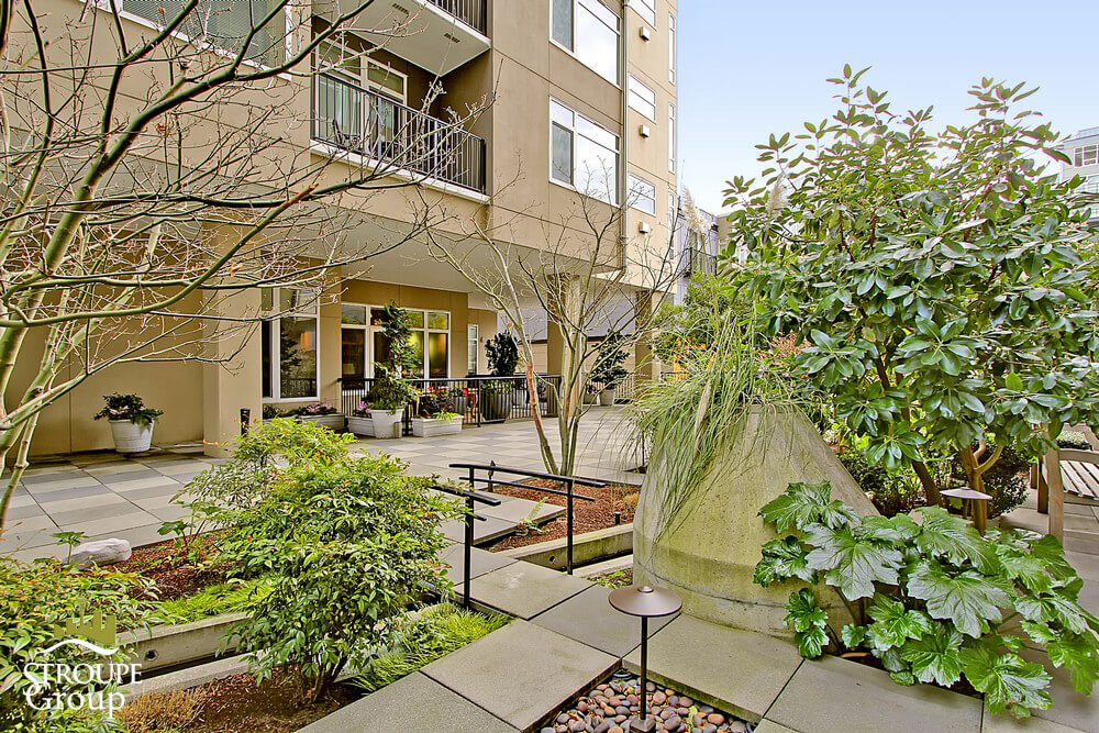 Ellington-condo-2801-1st-ave-belltown-seattle-terrace-2