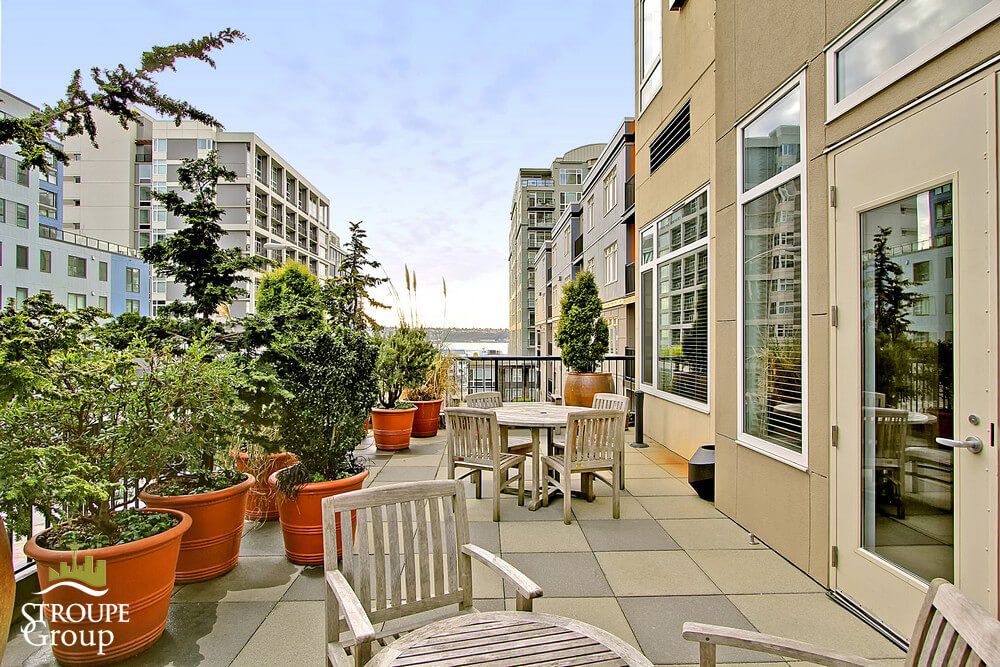 Ellington-condo-2801-1st-ave-belltown-seattle-terrace