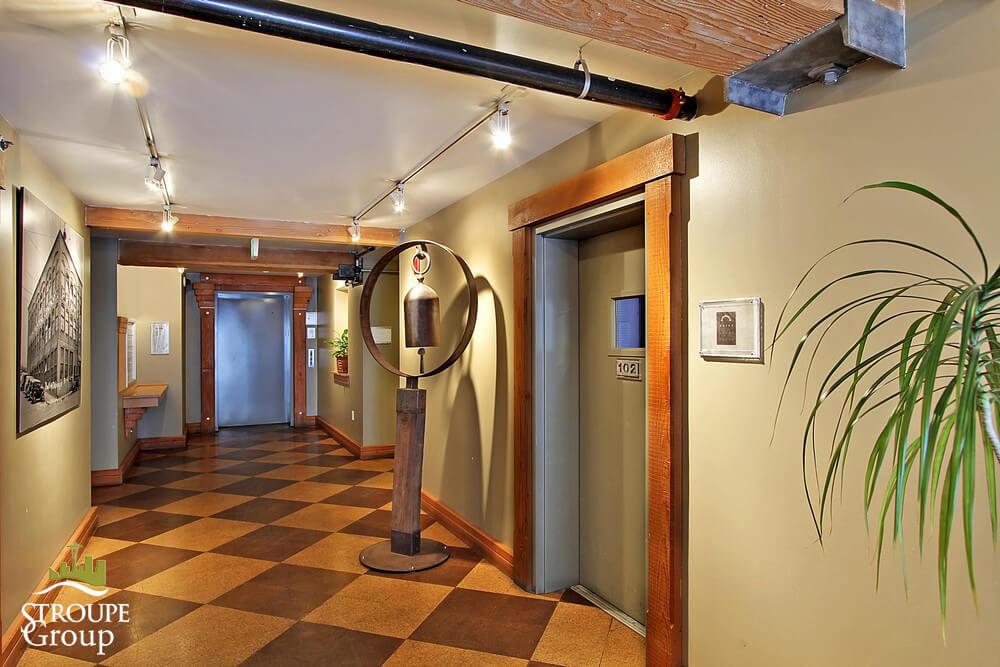 81 Vine Gallery 9