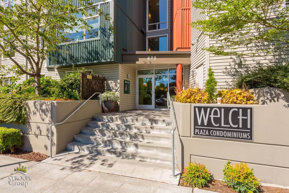 welch plaza condos capitol hill seattle entrance