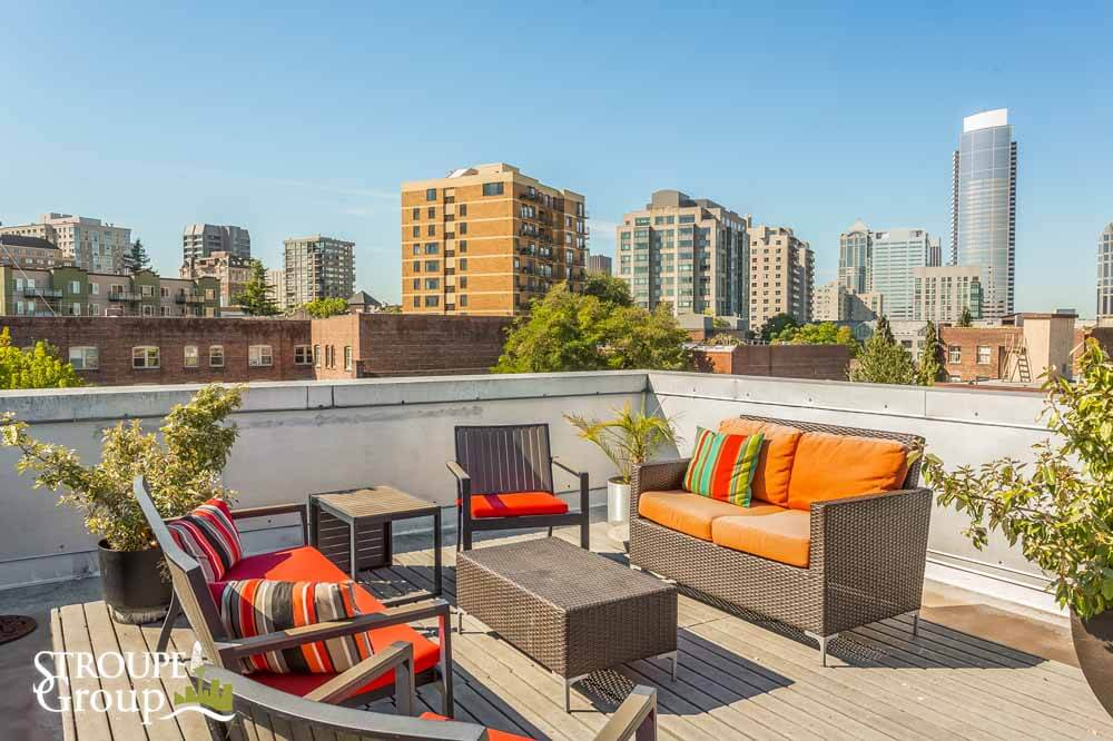 615 E Pike condos Capitol Hill Seattle roof deck sitting area