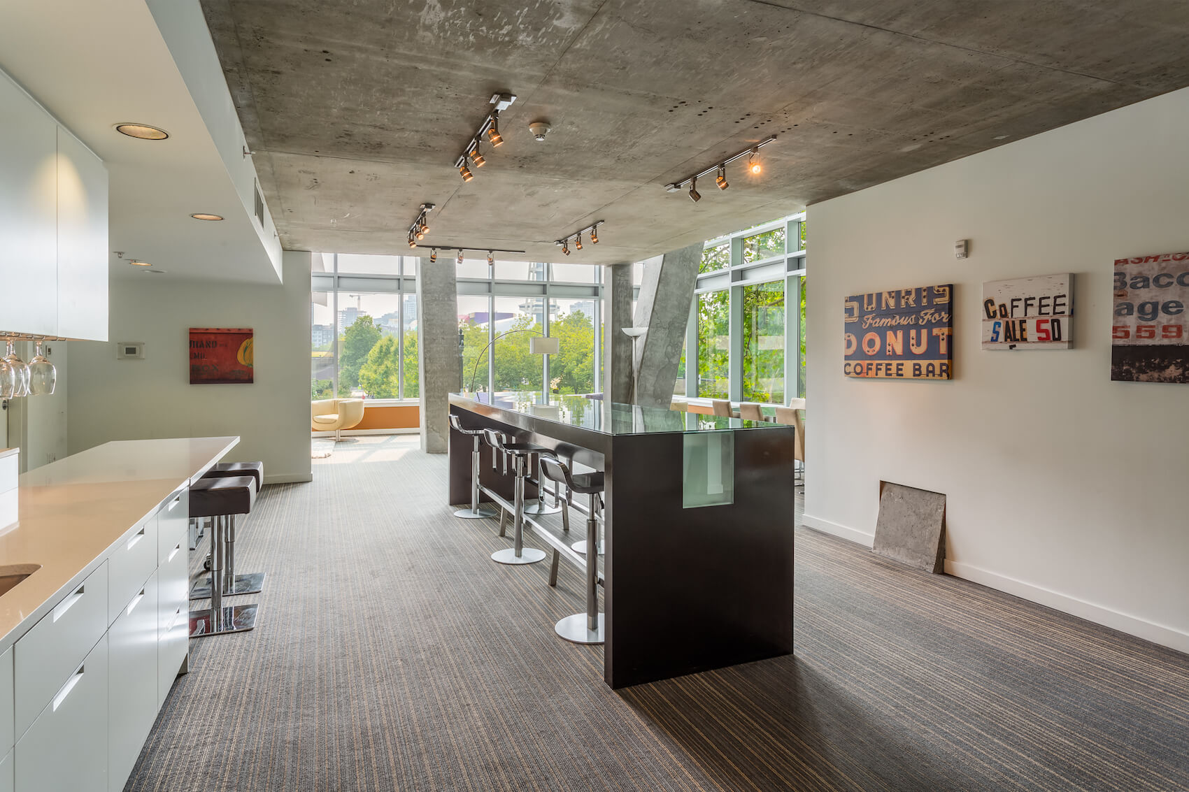 Lumen Gallery 17
